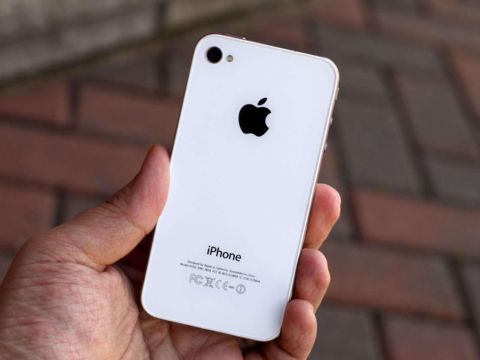 Used iPhone 4 vs 4s: Which should you buy? | iMore